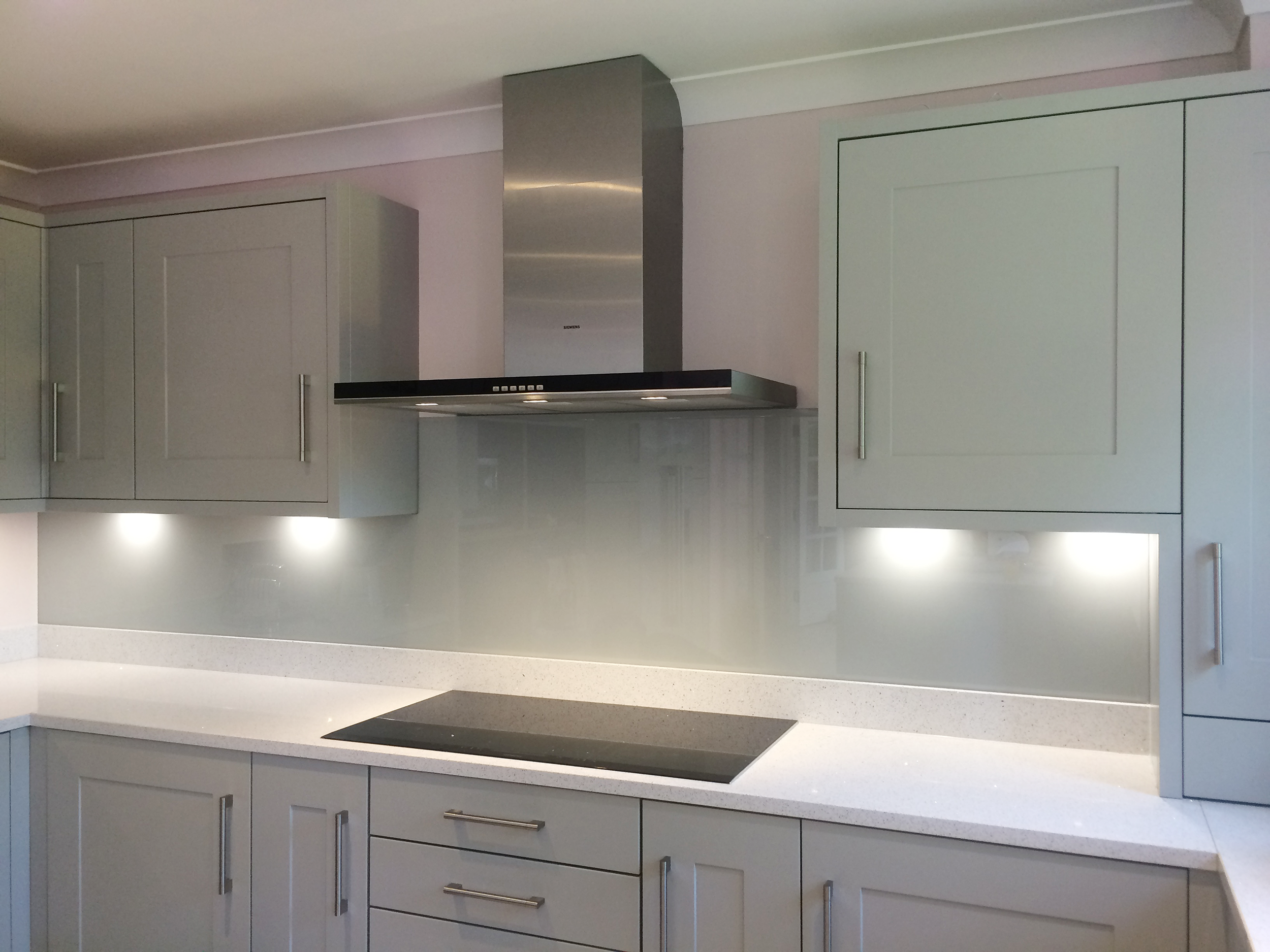 Dove Grey Glass Splashback Combined In A Kitchen With Light Coloured  Cupboards. Glass Splashbacks Produced By Opticolour.co.uk