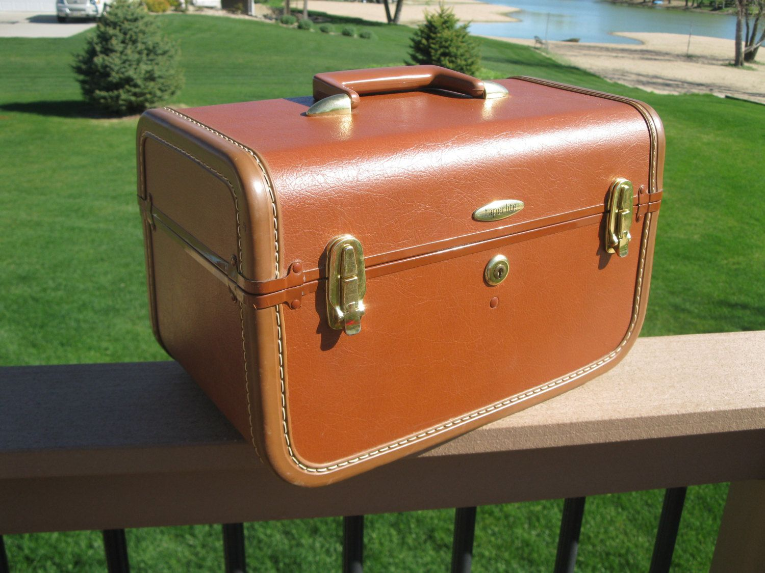 1950s Taperlite train case with (rare) TRAY OXBLOOD RED