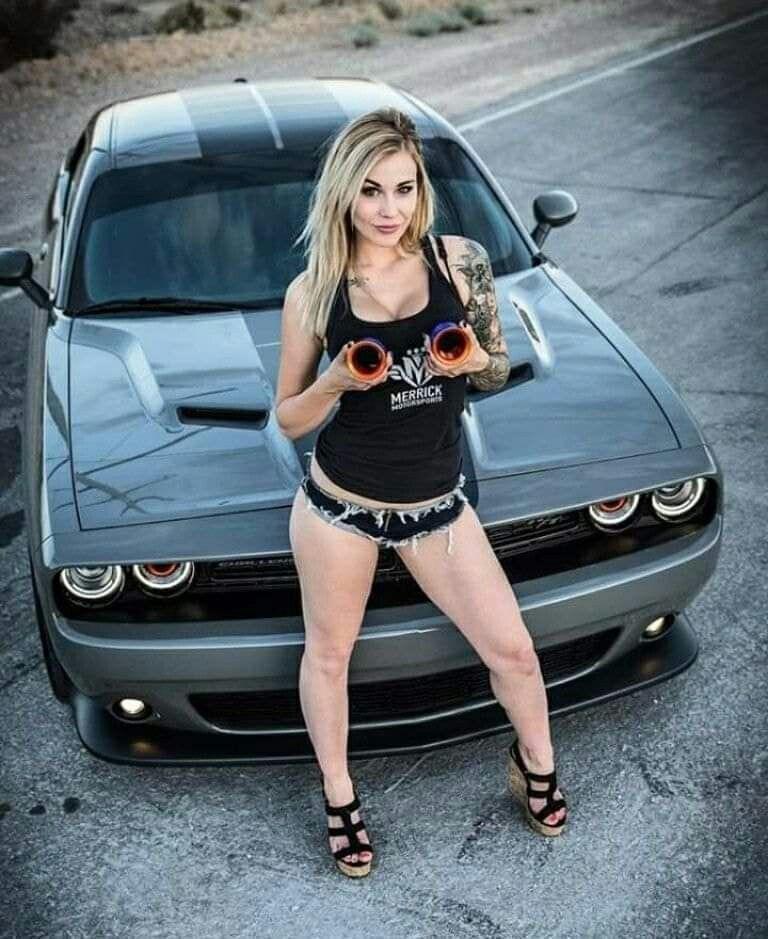 Hottest Beauties at 2016 Detroit Auto Show - Car-Addicts.com