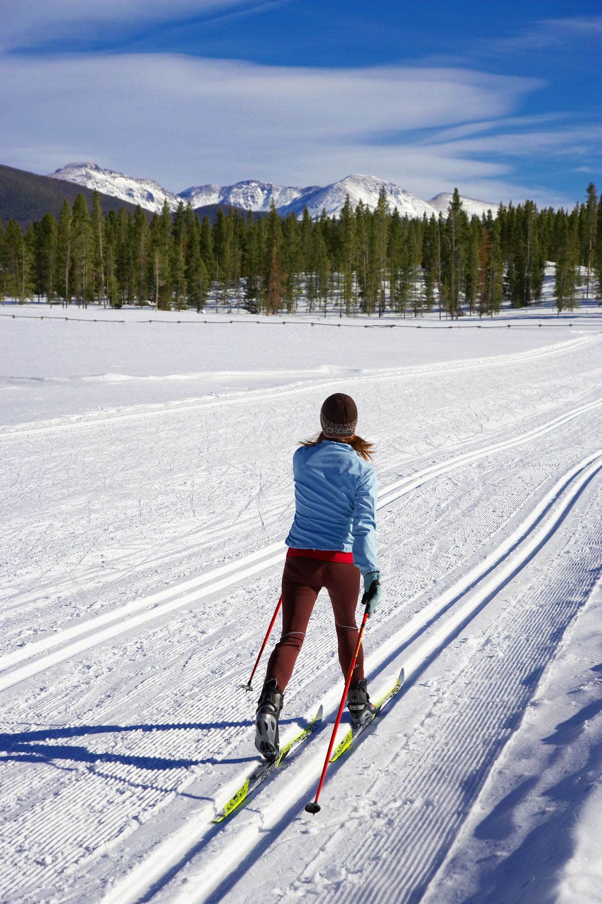 crosscountry skiing Cross country skiing, Cross country
