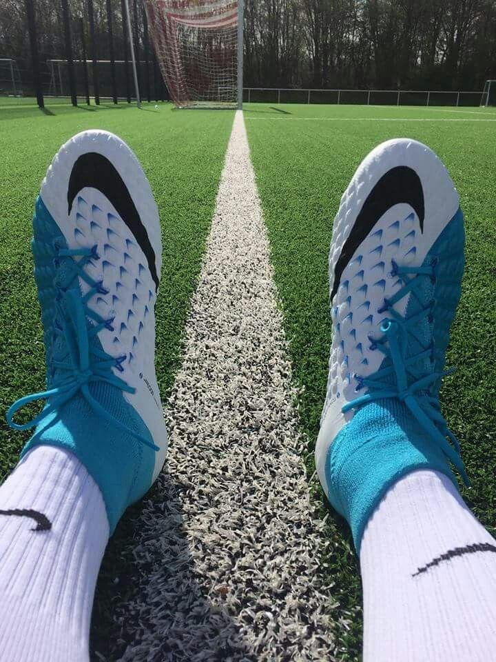 Pin de Franck Frechero en Botines (Adidas   Nike)  D  2aa26492fe4b4