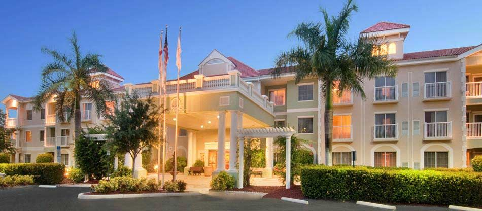 Doubletree Suites By Hilton Hotel Naples Located Right On The Cocohatchee River And Minutes Away From
