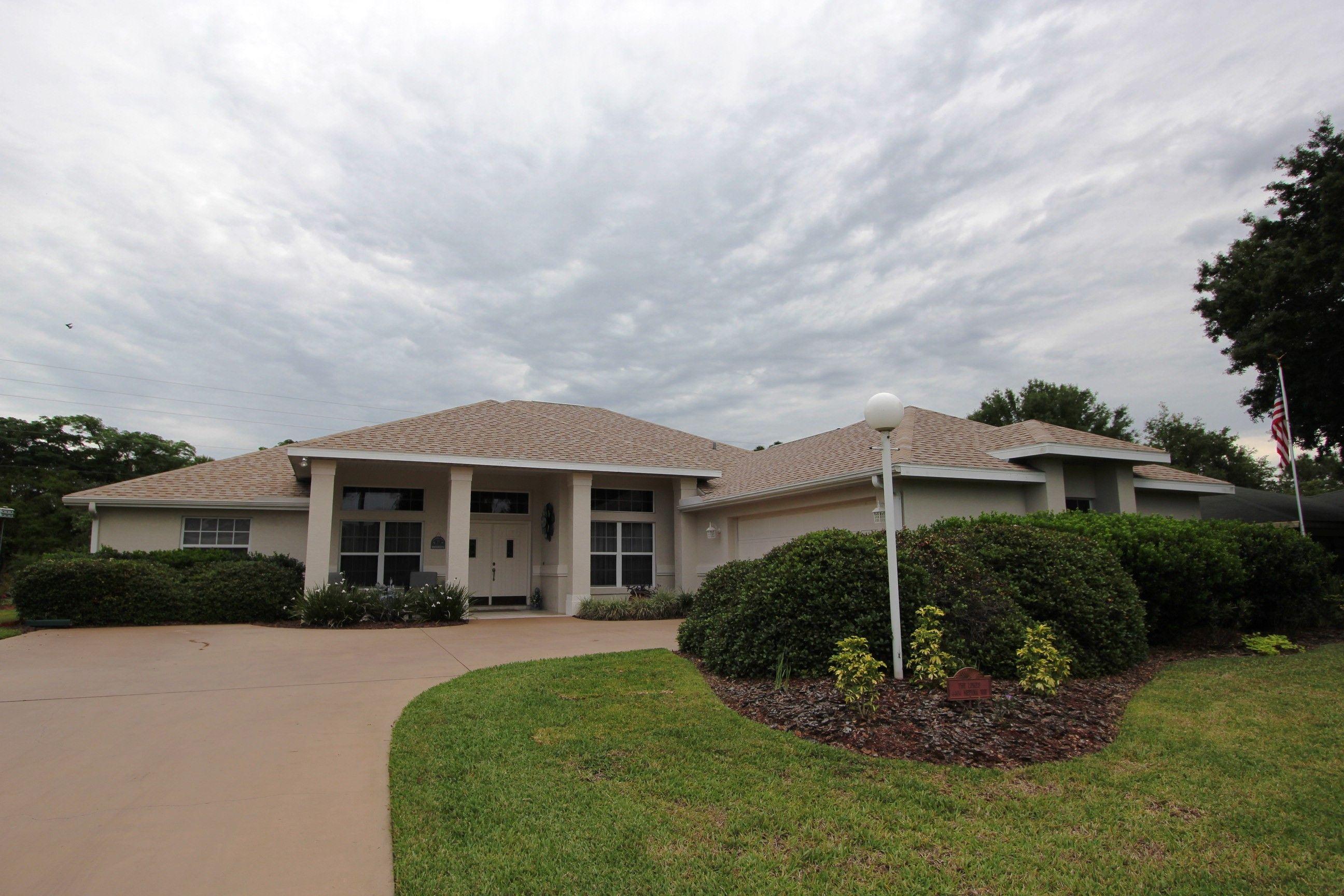 Sold Welcome To 4404 Medina Way Sebring Sensational Move In Ready Home Sebring Florida Florida Homes For Sale Florida Home