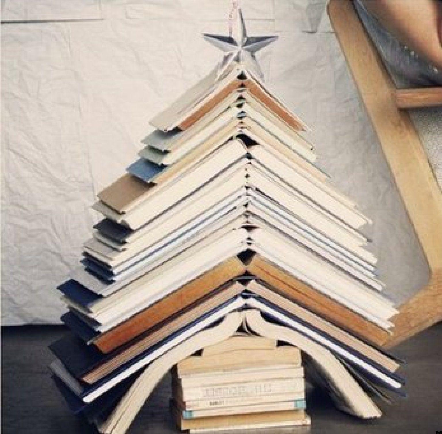 Originales rboles de navidad hechos con libros http www - Arboles de navidad originales ...