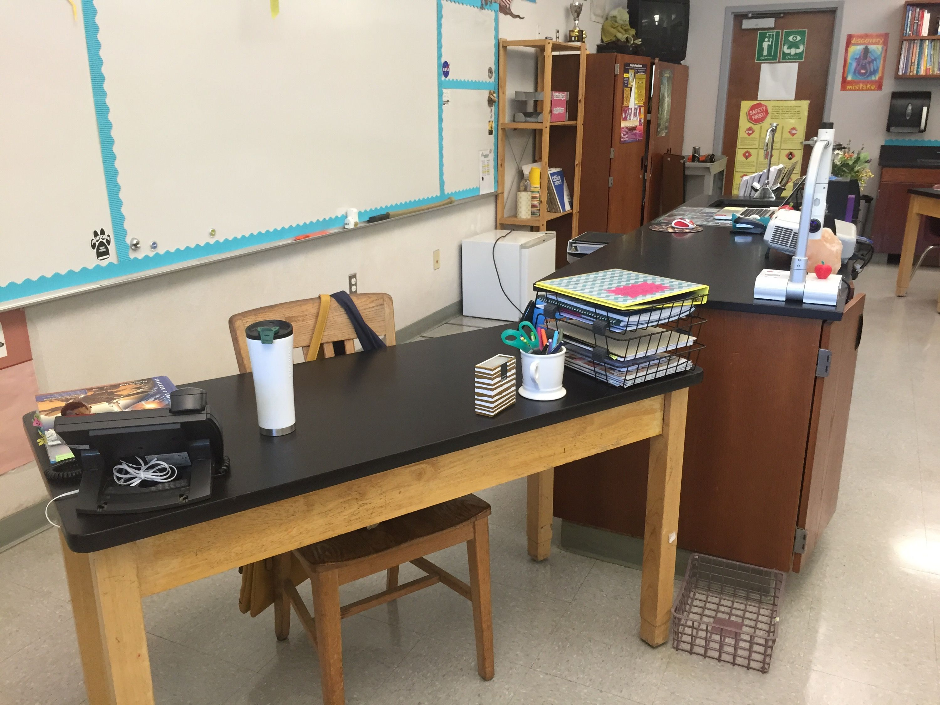 themed the teachers that room classroom desk faculty ll classrooms potter teacher blogs this bored perfect best harry corner decor away you blow
