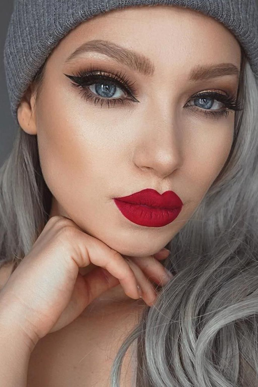 48 Pretty Red Lipstick Makeup Ideas To Make You Look More