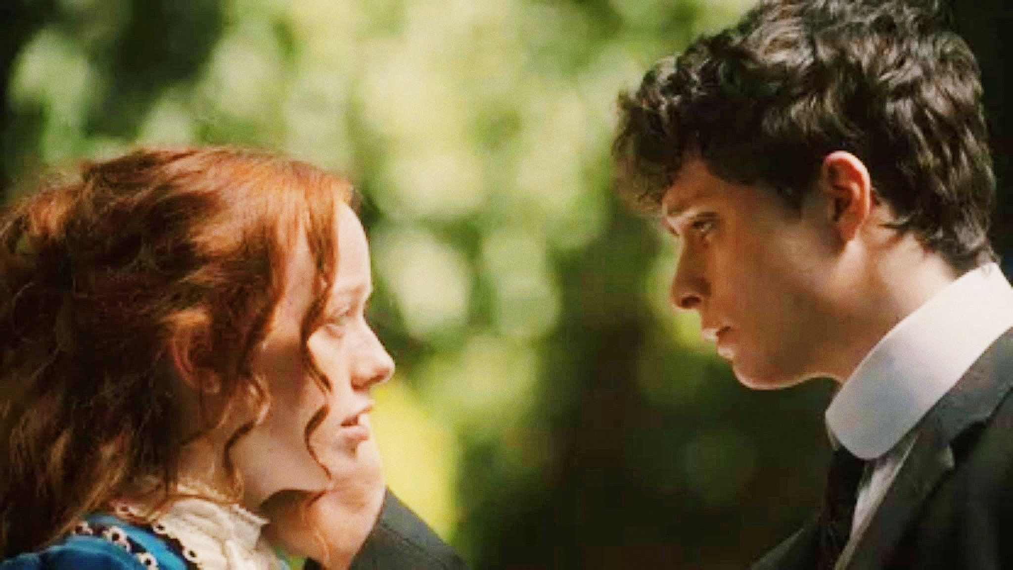 Their First Kiss With Images Gilbert Blythe Gilbert And