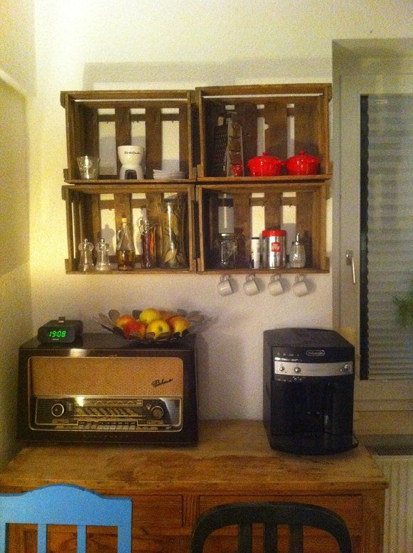 Küchenregal aus hängenden Weinkisten (mit Anti-Holzwurm - küchenregal mit beleuchtung
