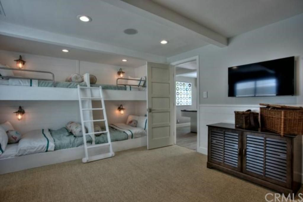 Zillow Digs Bedrooms With Wall Sconces Bunk Beds Cool Bunk Beds Bunk Bed Designs