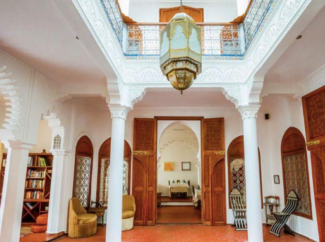 Blanco Riad hotel in Tétouan, courtyard Www.blancoriad.com