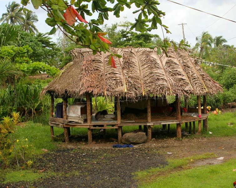 Samoa-I slept in a fale with no walls and outdoor toilet | OUTHOUSES ...