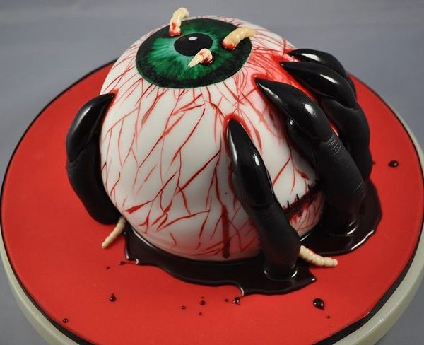 scary halloween cakes ideas eyeball black fingers worms Halloween