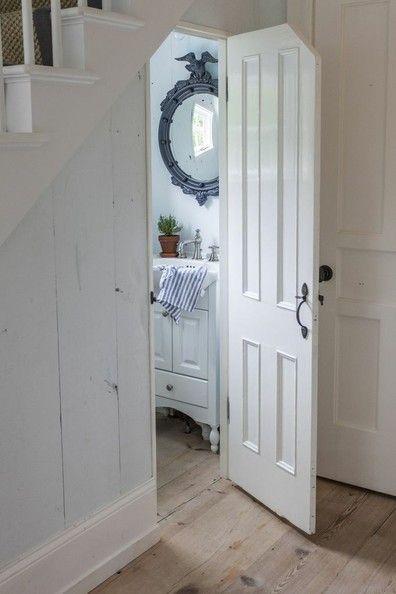 Lighting Basement Washroom Stairs: Bathroom Under Stairs