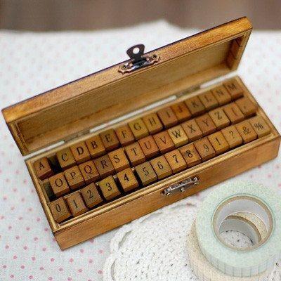 Alfabeto de estilo vintage y número establecido de madera sellos de goma montados