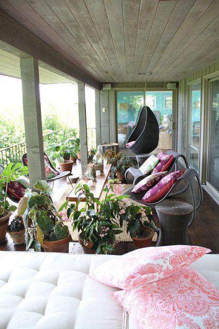 porch..so cute and comfy
