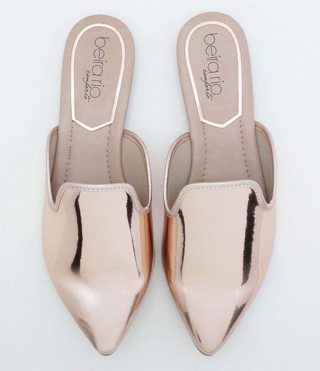 4f24f25d7 Sapato feminino Modelo mule Metalizada Material  sintético Marca  Beira Rio  COLEÇÃO INVERNO 2017 Veja