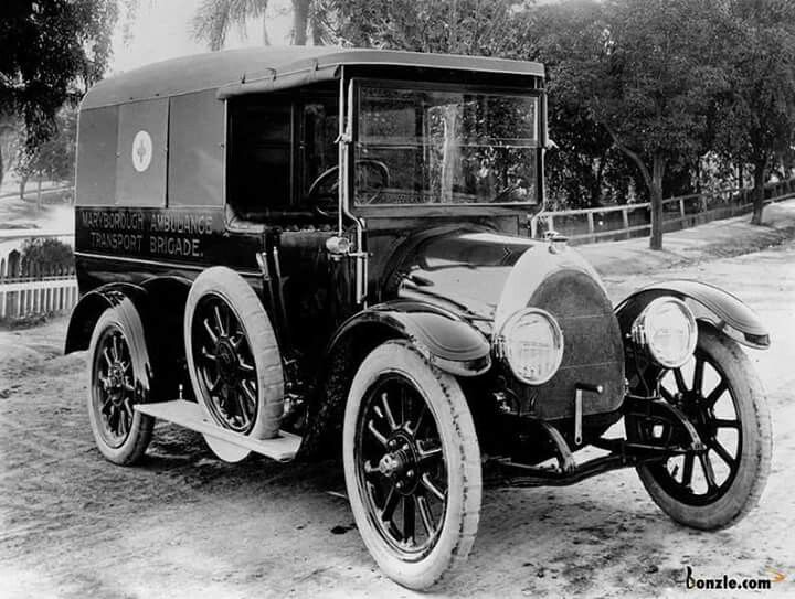 Qatb Ambulance Of The Maryborough Ambulance Transport Brigade In 1920 Qld Ambulance Maryborough Brigade
