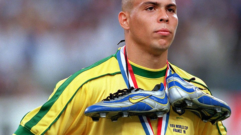 A Brief History Of The Football Boot Ronaldo Ronaldo Brazil Football
