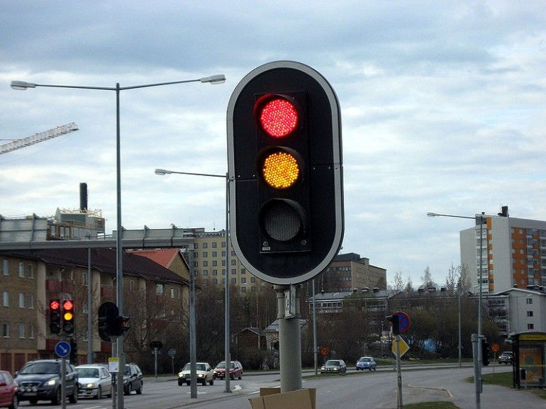 There Are So Many Traffic Signal Lights For Sale Traffic Signal Lights For Sale Http Www Nobleled Com Solar 100 Traffic Light Traffic Signal Unmanned Systems