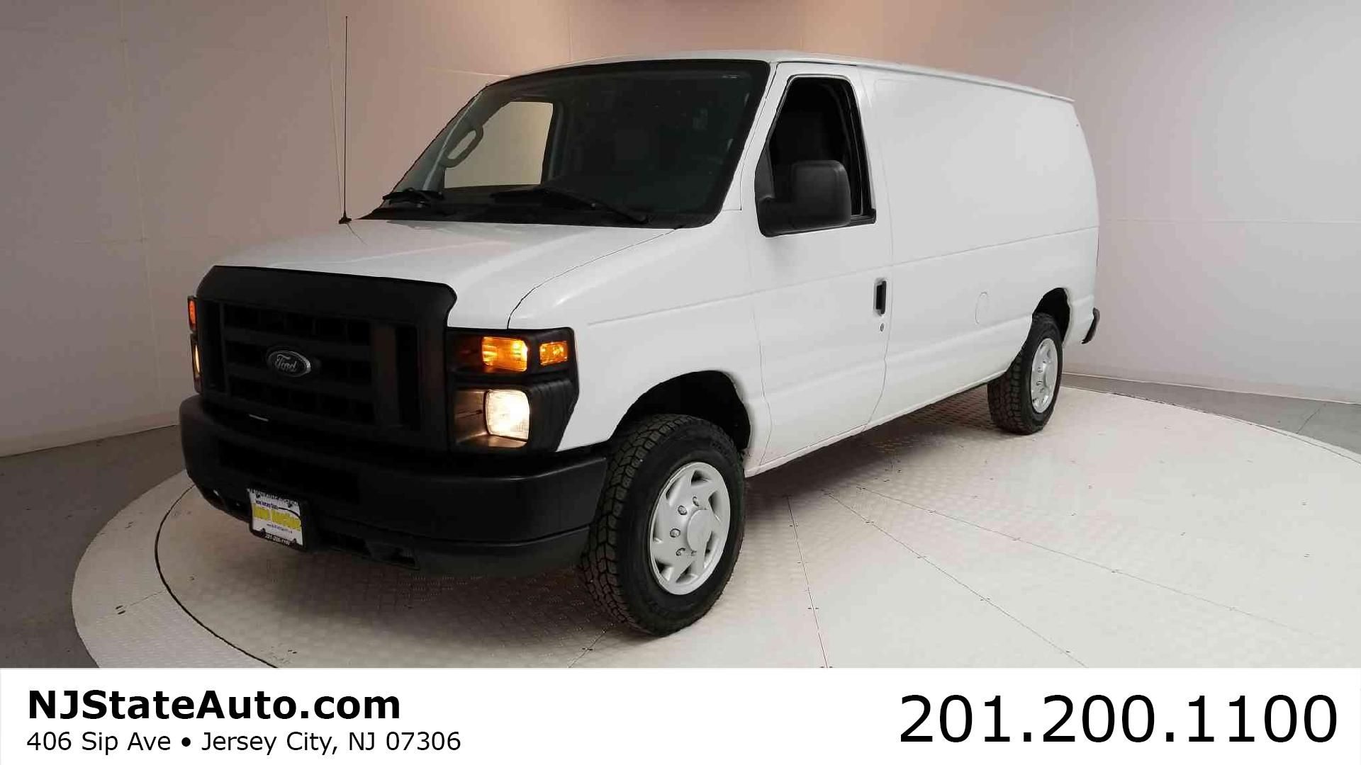 2009 Ford Econoline Cargo Van E 150 mercial