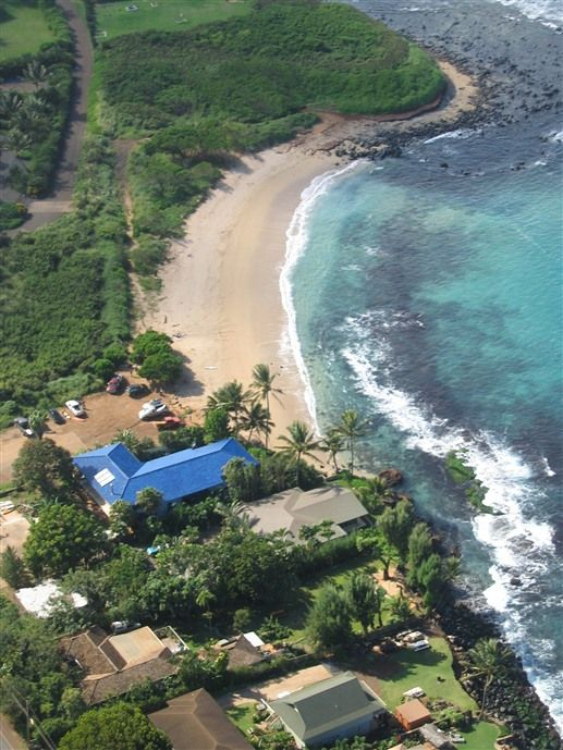 Blue Tile Beach House In Paia Hawaii