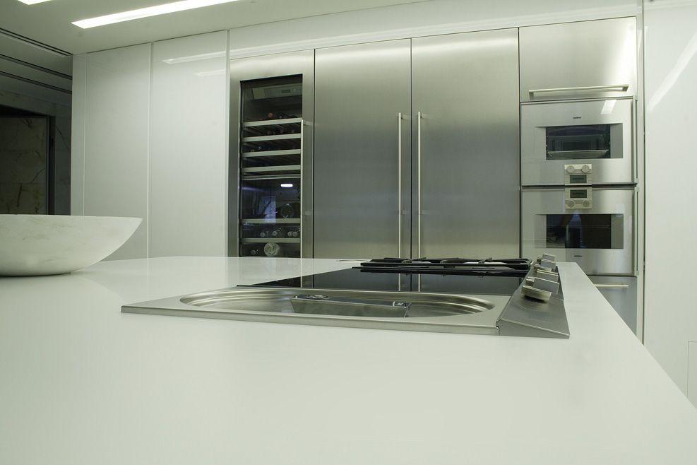 Bassano Del Grappa Cucina Design In Laccato Bianco Lucido E Corian
