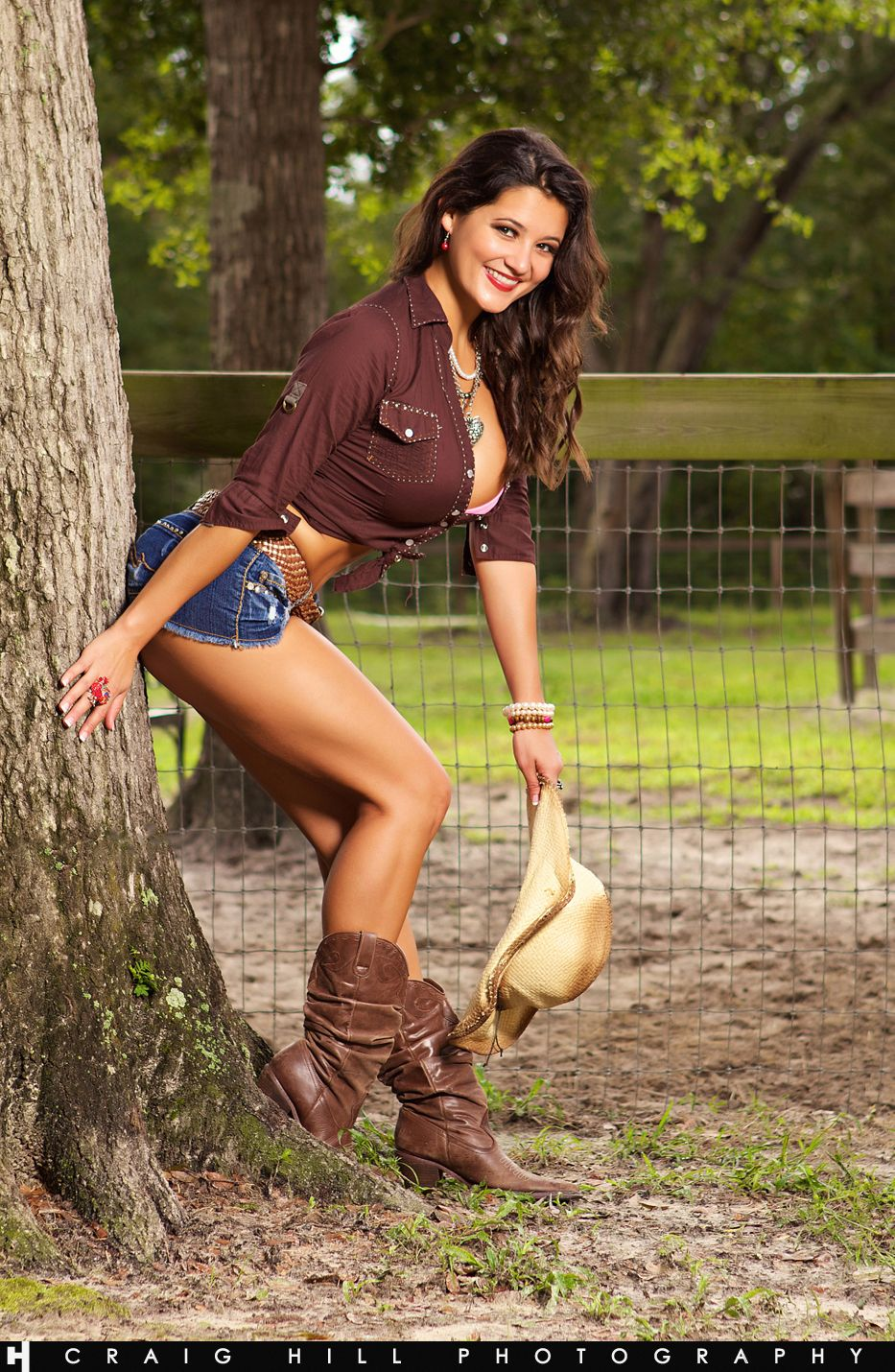 2017   Beautiful Country Girl  Pash    64  18 -2558