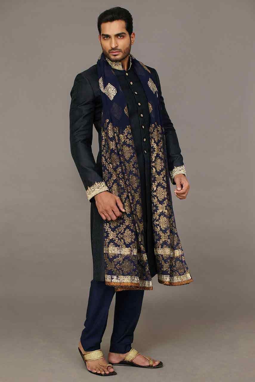 Mehndi Outfits Mens : Pakistani groom wedding sherwani designs for mehndi
