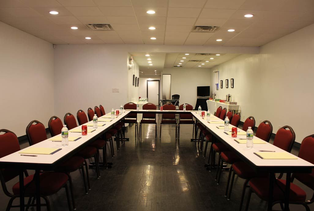 Unit 2 Recommend Meeting Settings That Would Work Best For Their Meeting Room Meeting Room Table Round Table Settings