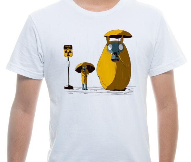 Camiseta Básica na cor Branco - Ilustração Nuclear Disaster por Olivier Delmas