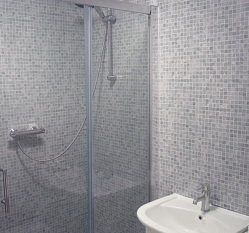 Grey Mosaic Tile Bathroom Google Search Trendy Bathroom Tiles Bathroom Decor Accessories Bathroom Tub Remodel