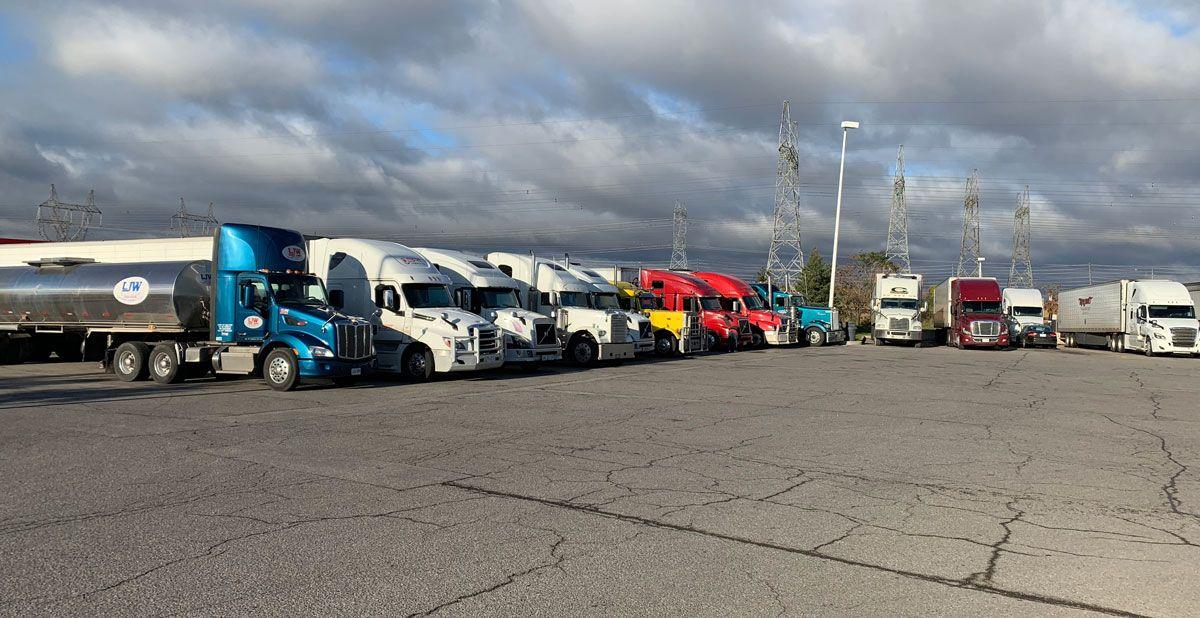 Top 10 High Paying Trucking Jobs Trucks Truck Driver Dump Truck