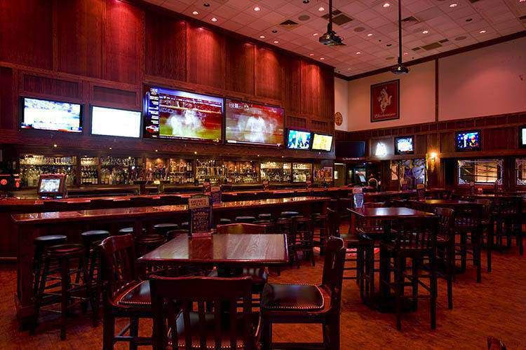 Fox & Hound Sports Tavern Bar and Grill philly The fox