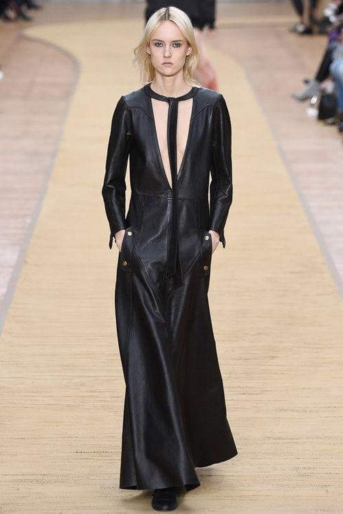 tendance automne hiver 2016 2017 la robe en cuir robes. Black Bedroom Furniture Sets. Home Design Ideas