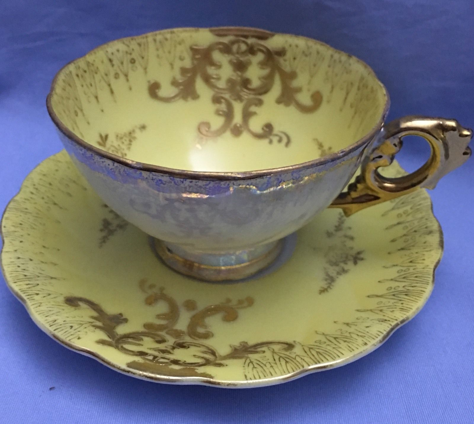 Royal albert bone china tea cup amp saucer winsome pattern ebay - Vintage Royal Sealy China Yellow Gold Cup And Saucer Lusterware Cup Japan Ebay