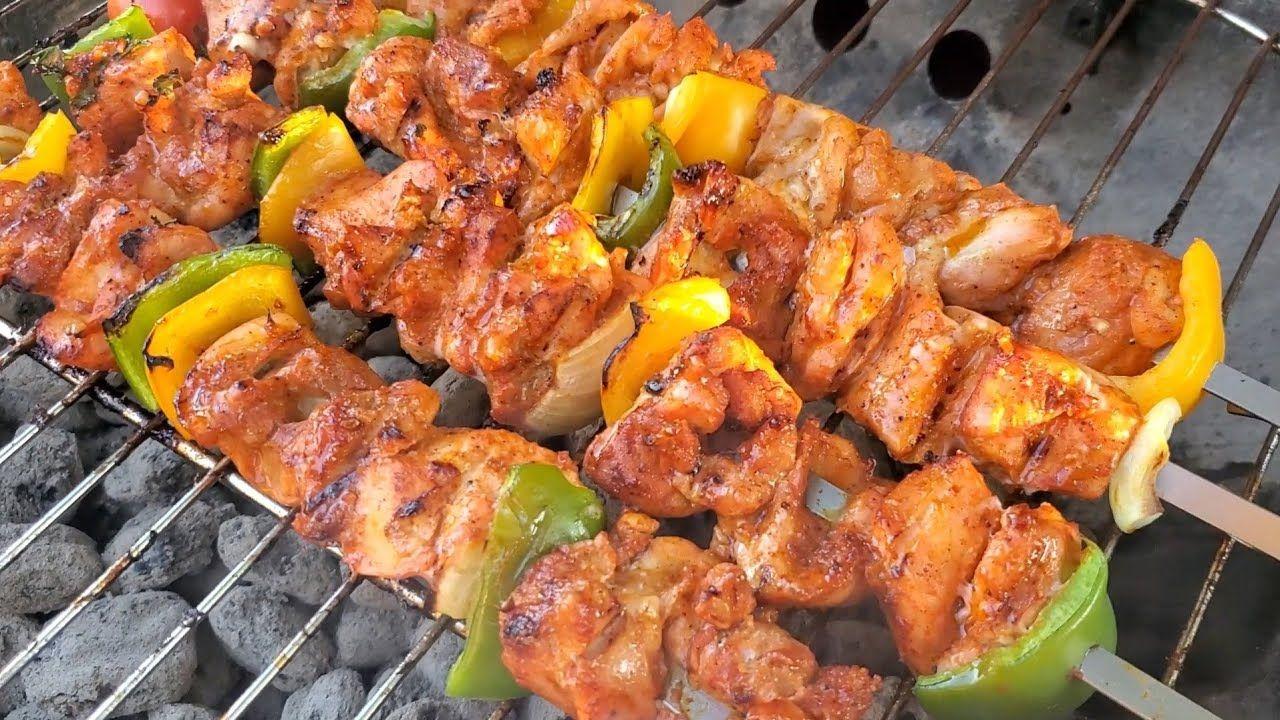 طريقة عمل الشيش طاووق How To Make The Best Chicken Skewersh Youtube In 2020 Chicken Skewers International Recipes Chicken