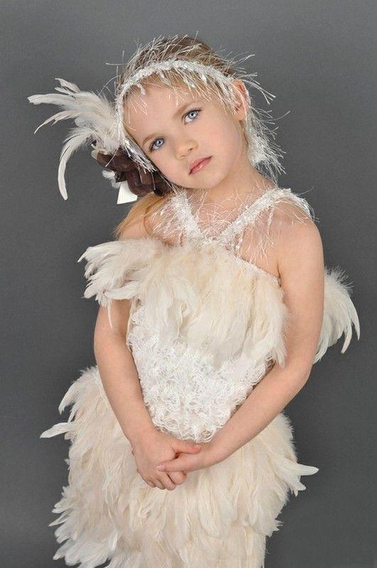 Sehr junge zierliche Mädchen Modellgalerie