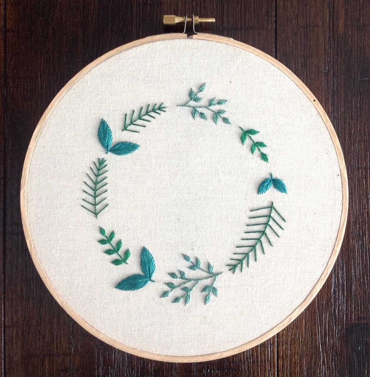 Broderie à la main   – Crafts