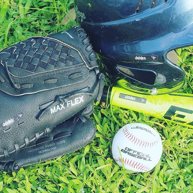 Who's Hitting The Field This Week? Now This Is How You