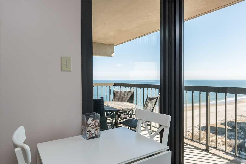 K Tt Qss Nice Unit Sea Watch 1414 Ocean City Md Rentals Ocean City Ocean City Rentals Ocean City Md
