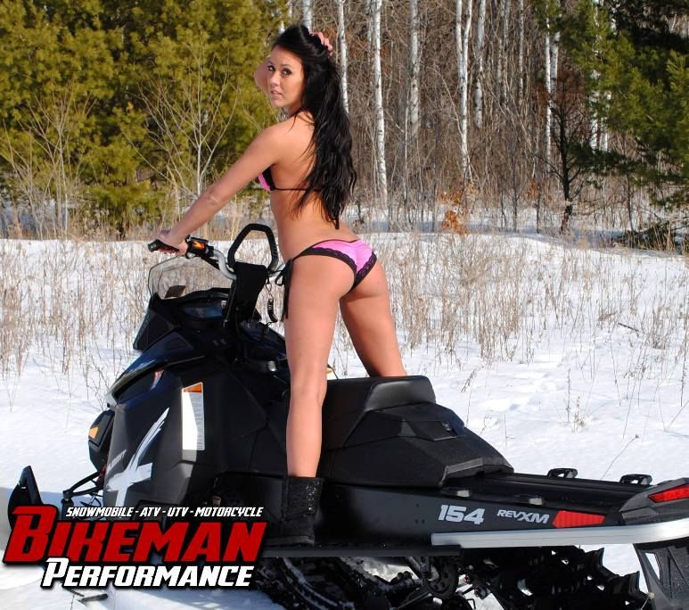 Naked chicks and snowmobiles — photo 12