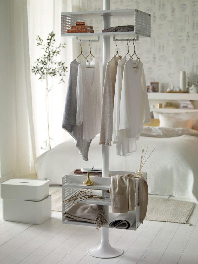 Schlafzimmer Im Skandinavischen Stil Weiß Gold Kleiderständer