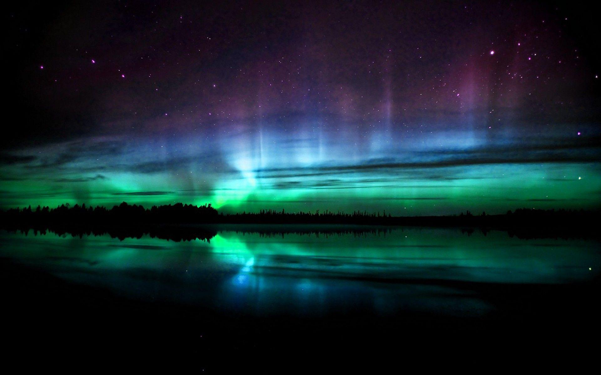 Aurora Borealis Northern Lights Wallpaper Aurora Borealis Northern Lights Green Aurora Borealis