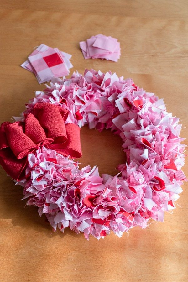 Photo of Valentine's Fabric Wreath Tutorial – Petals, Pies and Otherwise