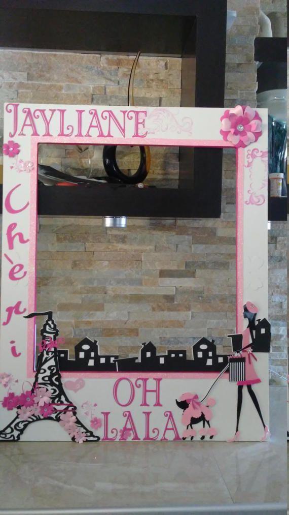 Barbie in Paris Photo Booth Frame- OH LA LA | Barbie en, Cabina y París