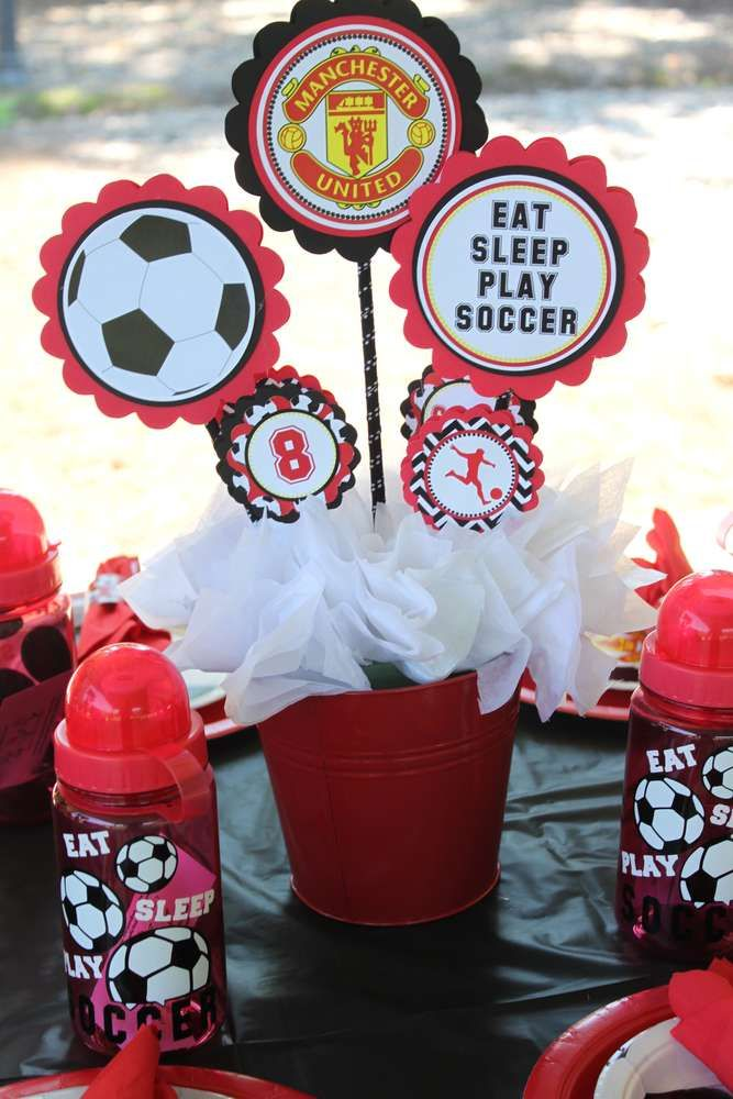 Manchester United Soccer Party Birthday Party Ideas Photo 15 Of 15 Soccer Birthday Parties Simple Birthday Party Soccer Birthday