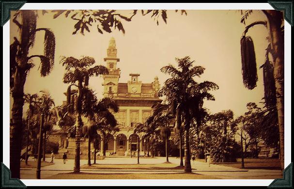 O palácio das indústrias e o Parque Dom Pedro II na década de 1930, local de lazer dos moradores do Brás com seus elegantes jardins.