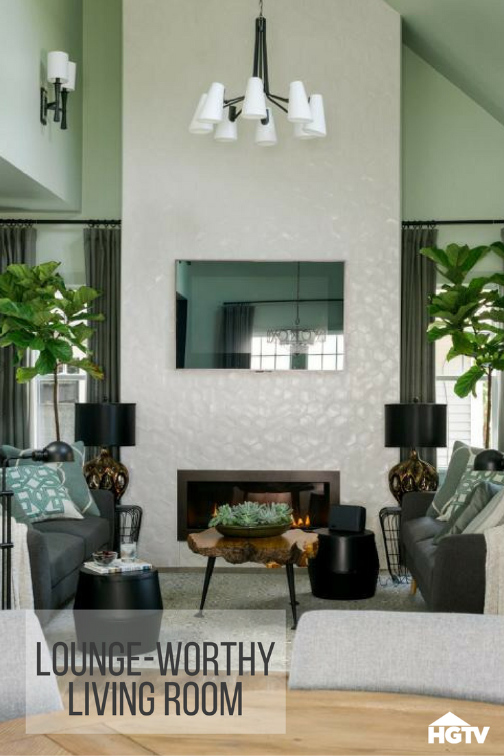 Hgtv Small Spaces Living Rooms: Get Cozy In The Living Room Of HGTV Urban Oasis 2016