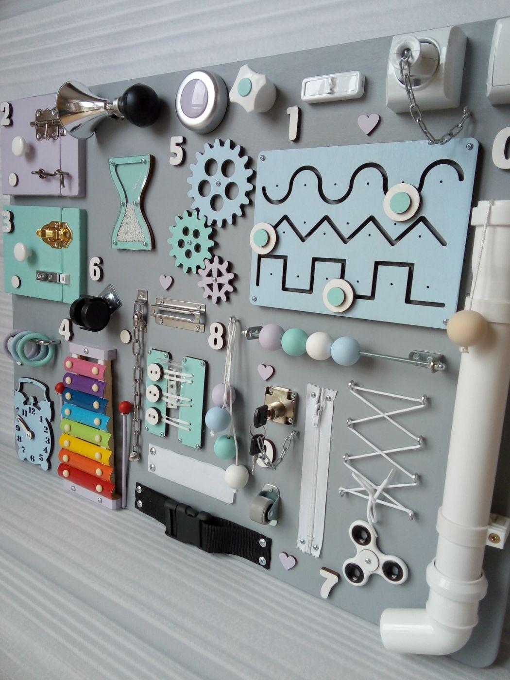Tablica manipulacyjna Busyboard Drewniana zabawka