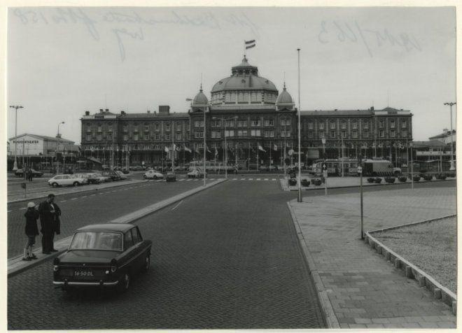 Beeldbank met foto's, affiches, kaarten, plattegronden, prenten en tekeningen van Den Haag of Haagse zaken. Van vroeger tot nu.